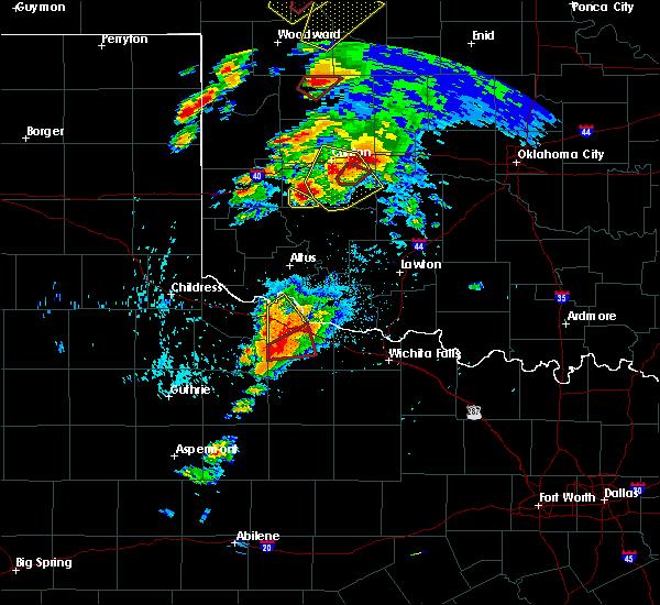 Radar Image for Severe Thunderstorms near Vernon, TX at 5/18/2017 4:05 PM CDT