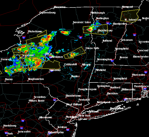 Radar Image for Severe Thunderstorms near Gloversville, NY at 5/18/2017 6:16 PM EDT