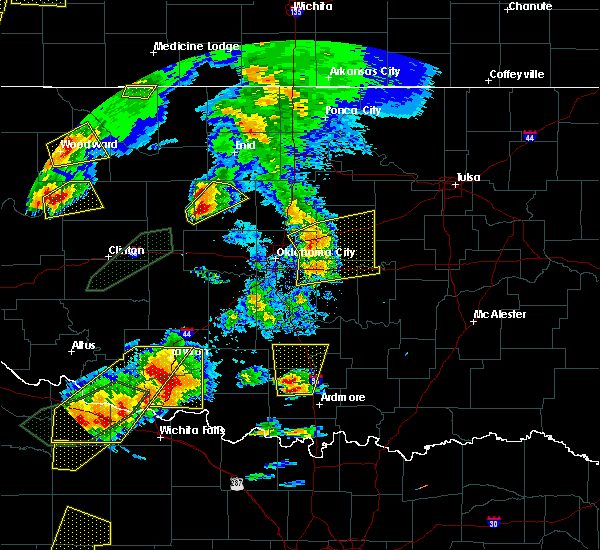 Radar Image for Severe Thunderstorms near Prague, OK at 5/18/2017 6:04 PM CDT