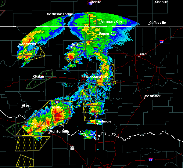 Radar Image for Severe Thunderstorms near Prague, OK at 5/18/2017 6:38 PM CDT