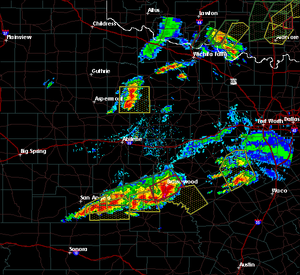 Radar Image for Severe Thunderstorms near Goldthwaite, TX at 5/19/2017 8:28 PM CDT