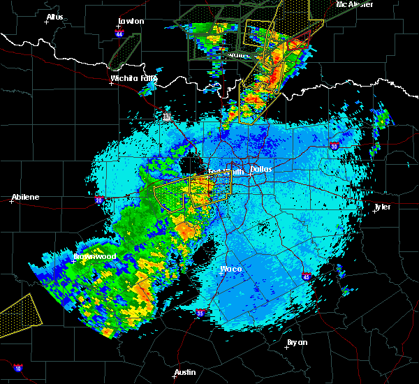 Radar Image for Severe Thunderstorms near Kennedale, TX at 5/20/2017 12:00 AM CDT