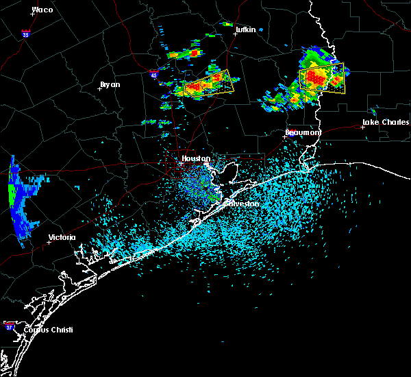 Radar Image for Severe Thunderstorms near Cape Royale, TX at 5/20/2017 4:57 PM CDT