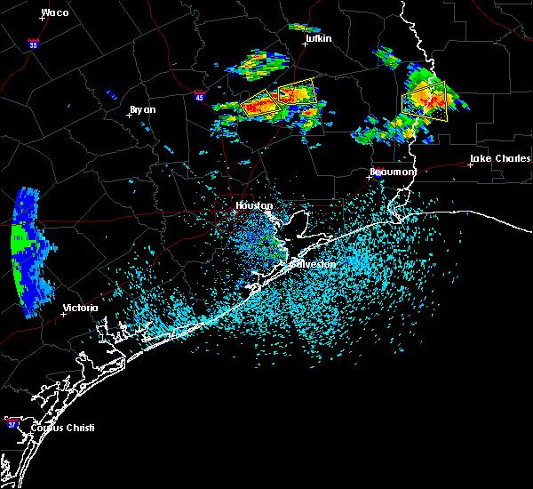 Radar Image for Severe Thunderstorms near Seven Oaks, TX at 5/20/2017 5:18 PM CDT