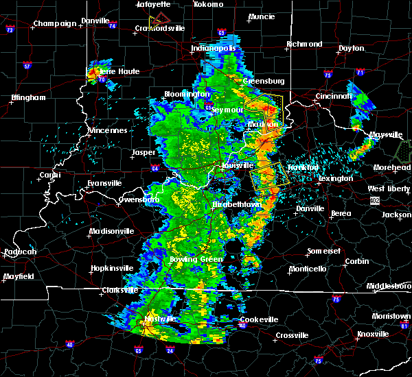 Radar Image for Severe Thunderstorms near Frankfort, KY at 5/20/2017 8:02 PM EDT