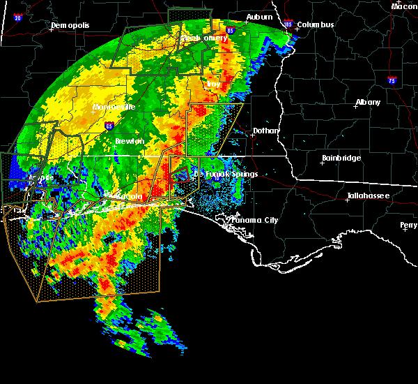 Radar Image for Severe Thunderstorms near Crestview, FL at 5/20/2017 11:20 PM CDT