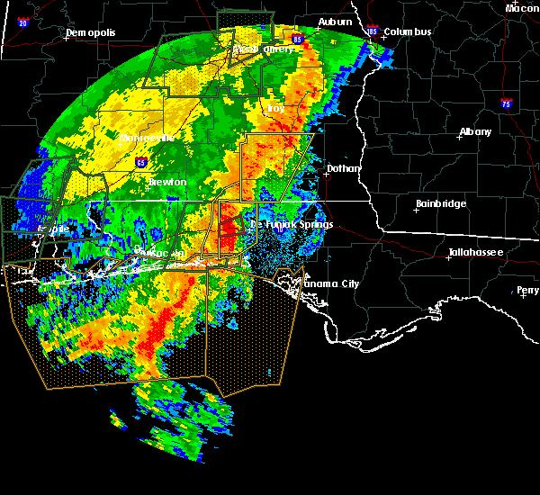 Radar Image for Severe Thunderstorms near Niceville, FL at 5/20/2017 11:36 PM CDT