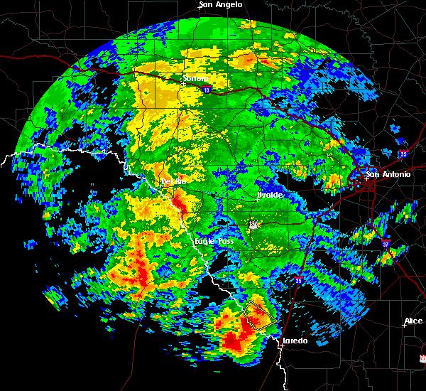 Radar Image for Severe Thunderstorms near Laredo, TX at 5/21/2017 3:30 PM CDT