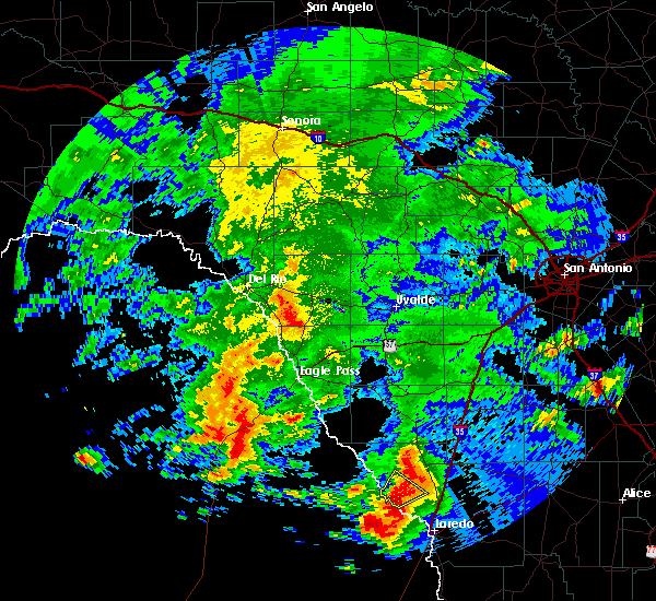 Radar Image for Severe Thunderstorms near Laredo, TX at 5/21/2017 3:55 PM CDT
