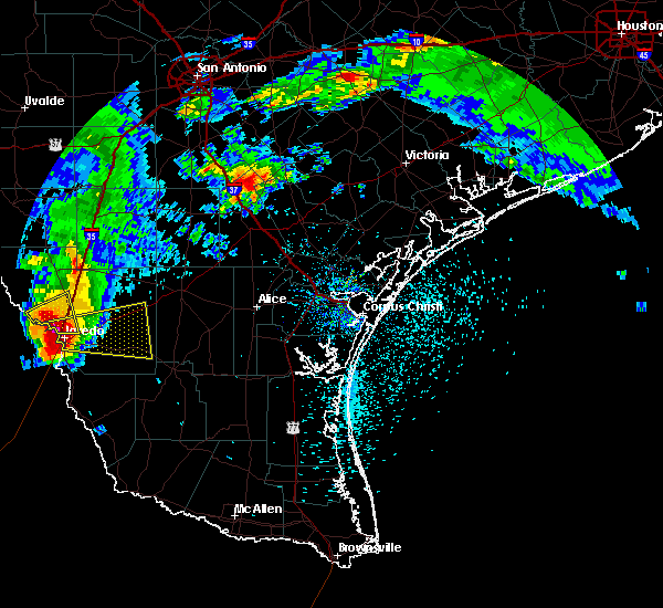 Radar Image for Severe Thunderstorms near Laredo Ranchettes, TX at 5/21/2017 4:35 PM CDT