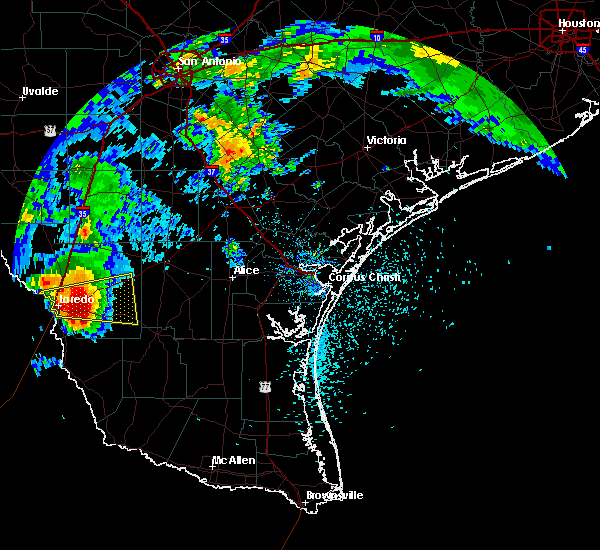 Radar Image for Severe Thunderstorms near Laredo Ranchettes, TX at 5/21/2017 5:09 PM CDT