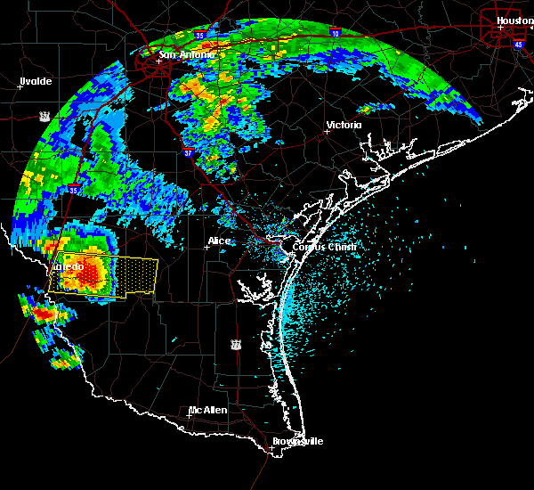 Radar Image for Severe Thunderstorms near Laredo Ranchettes, TX at 5/21/2017 5:28 PM CDT