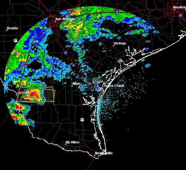 Radar Image for Severe Thunderstorms near Laredo Ranchettes, TX at 5/21/2017 5:45 PM CDT