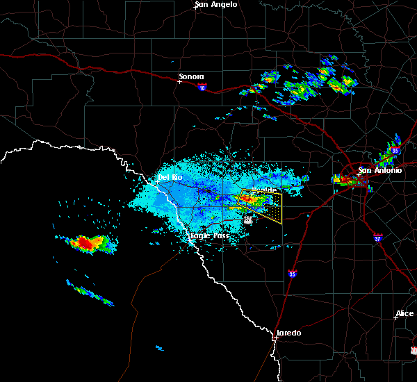 Radar Image for Severe Thunderstorms near Uvalde Estates, TX at 5/23/2017 4:35 PM CDT