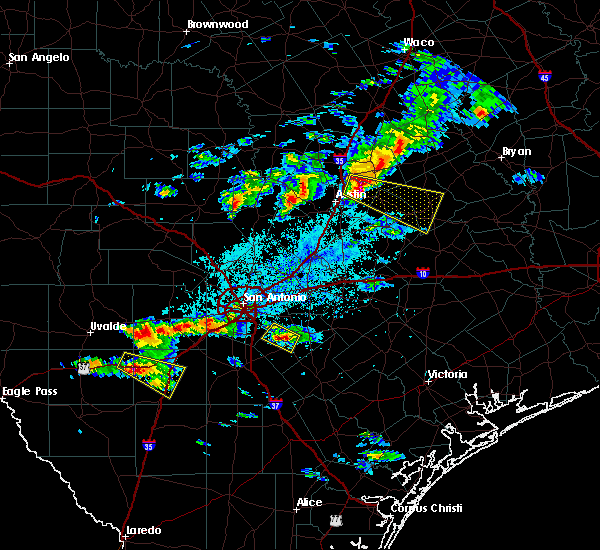 Radar Image for Severe Thunderstorms near Elmendorf, TX at 5/23/2017 5:24 PM CDT