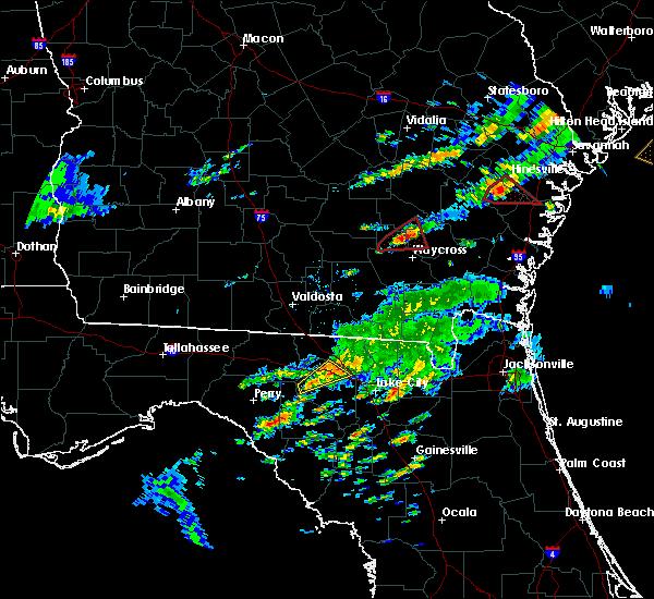 Radar Image for Severe Thunderstorms near Live Oak, FL at 5/23/2017 8:10 PM EDT