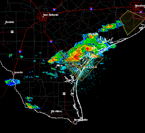 Radar Image for Severe Thunderstorms near Corpus Christi, TX at 5/23/2017 8:03 PM CDT