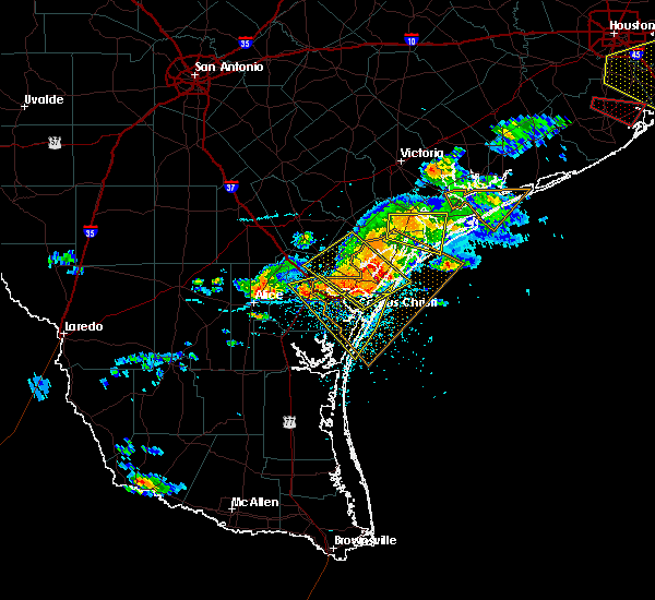 Radar Image for Severe Thunderstorms near Corpus Christi, TX at 5/23/2017 8:23 PM CDT