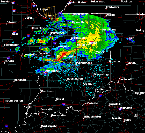 Radar Image for Severe Thunderstorms near Indianapolis, IN at 5/26/2017 8:24 PM EDT
