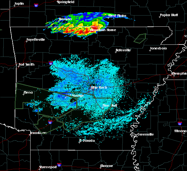 Radar Image for Severe Thunderstorms near Ash Flat, AR at 5/27/2017 3:11 AM CDT