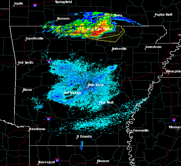 Radar Image for Severe Thunderstorms near Salem, AR at 5/27/2017 3:42 AM CDT