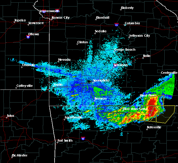 Radar Image for Severe Thunderstorms near Alton, MO at 5/27/2017 4:18 AM CDT
