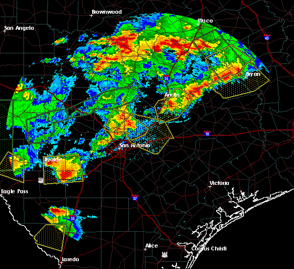 Radar Image for Severe Thunderstorms near New Braunfels, TX at 5/28/2017 7:45 PM CDT