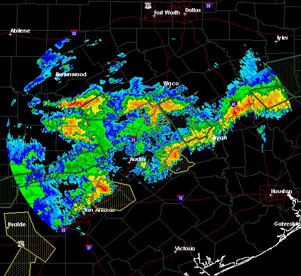 Radar Image for Severe Thunderstorms near Lexington, TX at 5/28/2017 8:07 PM CDT