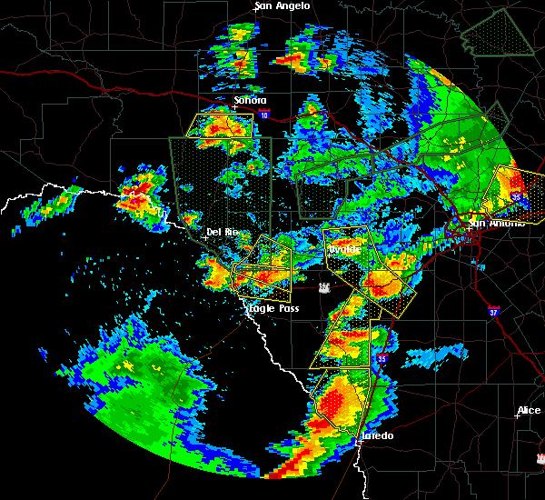 Radar Image for Severe Thunderstorms near Radar Base, TX at 5/28/2017 8:14 PM CDT