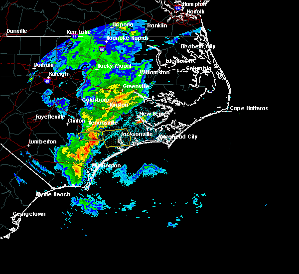 Radar Image for Severe Thunderstorms near Jacksonville, NC at 5/30/2017 12:40 AM EDT