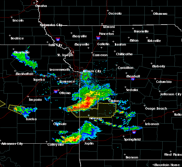 Radar Image for Severe Thunderstorms near Adrian, MO at 5/31/2017 2:47 PM CDT