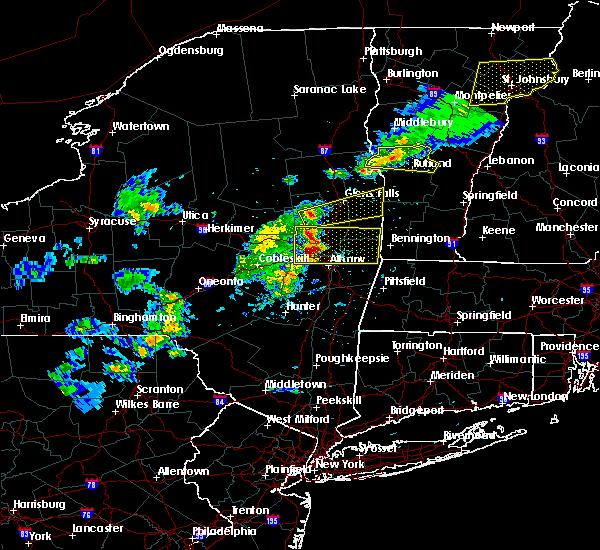 Radar Image for Severe Thunderstorms near Salem, NY at 5/31/2017 4:17 PM EDT