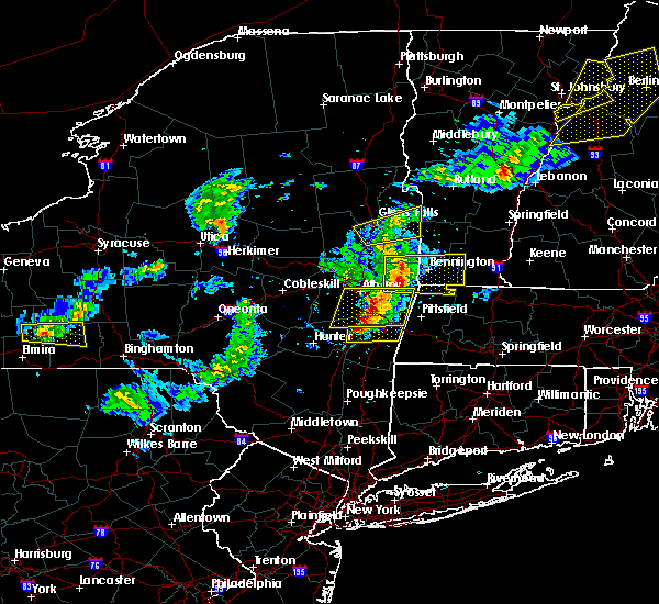 Radar Image for Severe Thunderstorms near Chatham, NY at 5/31/2017 5:06 PM EDT