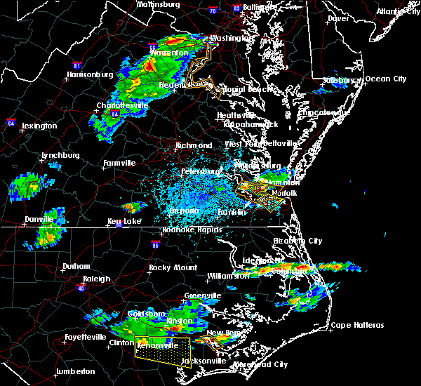 Radar Image for Severe Thunderstorms near Newport News, VA at 5/31/2017 5:06 PM EDT