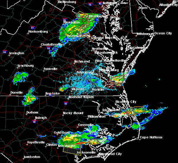 Radar Image for Severe Thunderstorms near Virginia Beach, VA at 5/31/2017 5:35 PM EDT