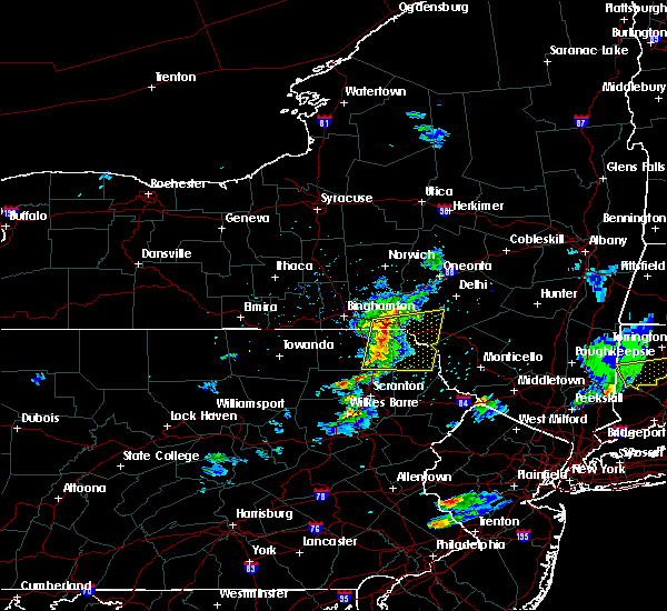 Radar Image for Severe Thunderstorms near Oakland, PA at 5/31/2017 8:06 PM EDT