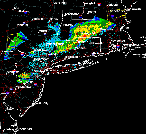 Radar Image for Severe Thunderstorms near Waterbury, CT at 5/31/2017 8:25 PM EDT