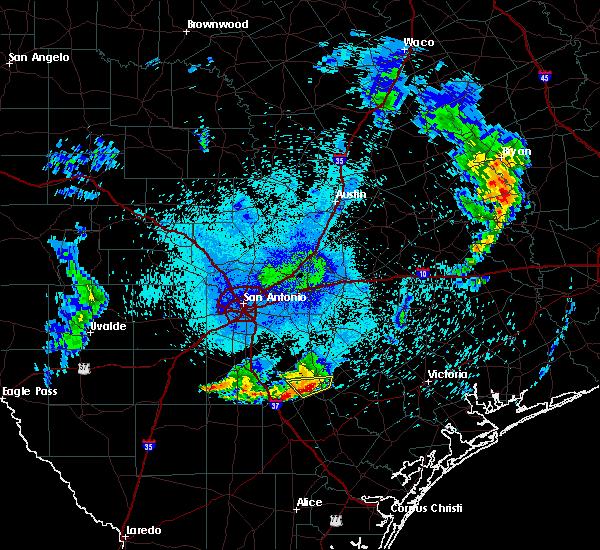 Radar Image for Severe Thunderstorms near Kenedy, TX at 6/4/2017 1:21 AM CDT