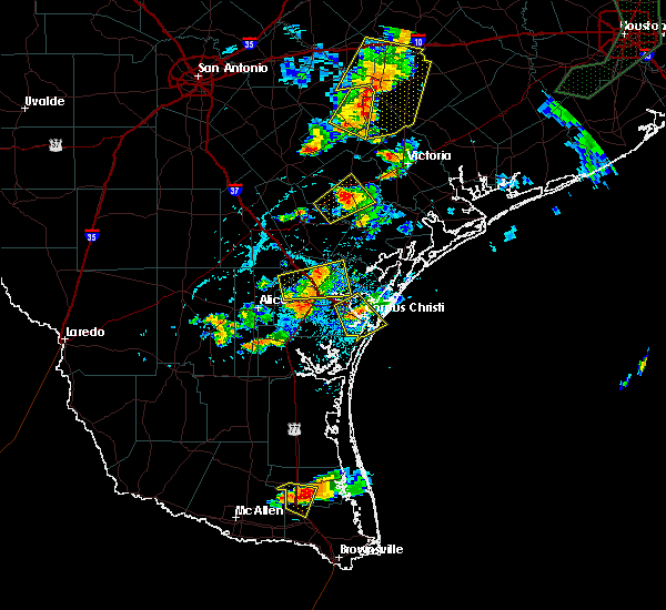 Radar Image for Severe Thunderstorms near Corpus Christi, TX at 6/4/2017 6:07 PM CDT