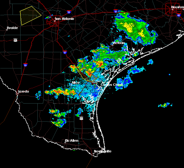 Radar Image for Severe Thunderstorms near Corpus Christi, TX at 6/4/2017 9:04 PM CDT