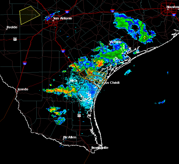 Radar Image for Severe Thunderstorms near Corpus Christi, TX at 6/4/2017 9:15 PM CDT