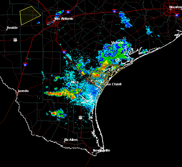 Radar Image for Severe Thunderstorms near Corpus Christi, TX at 6/4/2017 9:31 PM CDT