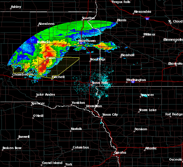 Radar Image for Severe Thunderstorms near Huron, SD at 6/11/2017 4:30 AM CDT