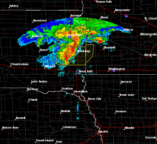 Radar Image for Severe Thunderstorms near Lake Madison, SD at 6/11/2017 5:42 AM CDT