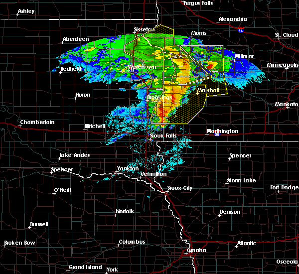 Radar Image for Severe Thunderstorms near Montevideo, MN at 6/11/2017 6:34 AM CDT