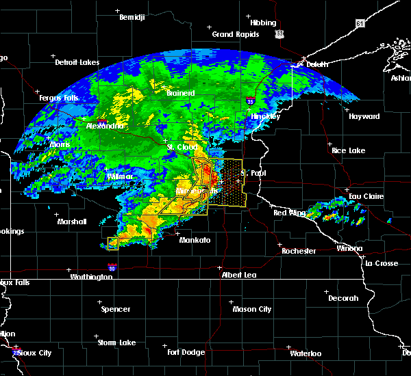 Radar Image for Severe Thunderstorms near Comfrey, MN at 6/11/2017 8:41 AM CDT