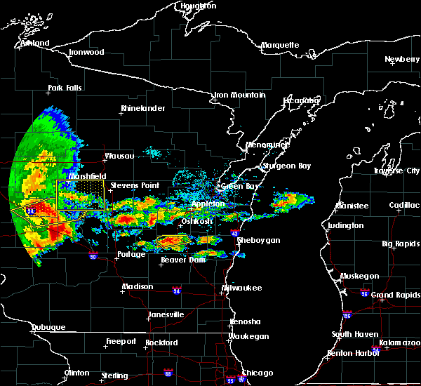 Radar Image for Severe Thunderstorms near Van Dyne, WI at 6/12/2017 5:04 PM CDT
