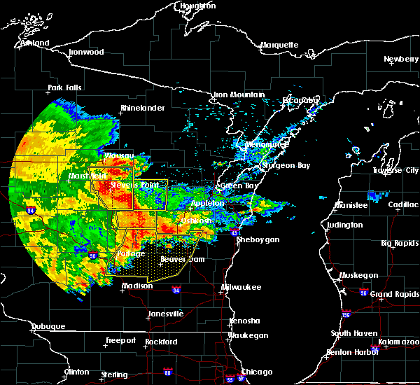 Radar Image for Severe Thunderstorms near King, WI at 6/12/2017 6:27 PM CDT