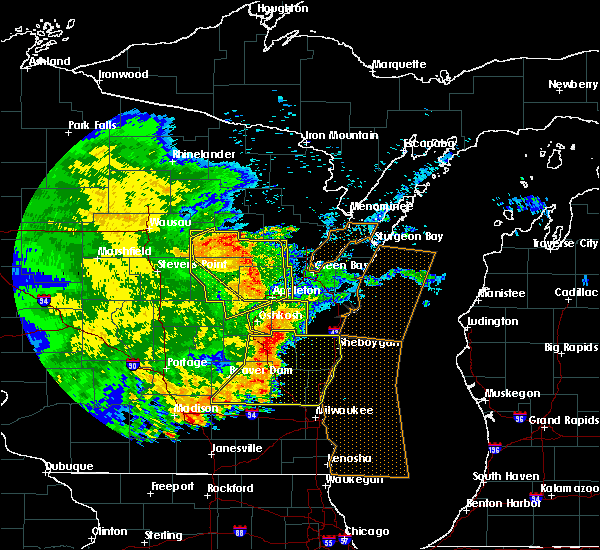 Radar Image for Severe Thunderstorms near Little Chute, WI at 6/12/2017 7:16 PM CDT