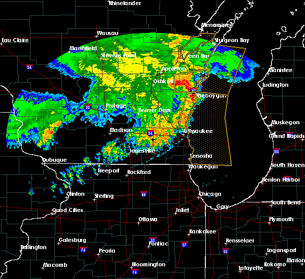 Radar Image for Severe Thunderstorms near Mequon, WI at 6/12/2017 8:06 PM CDT